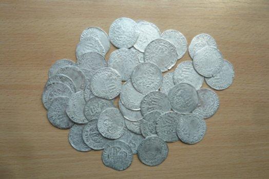 Koupím zlaté a stříbrné mince, bankovky,